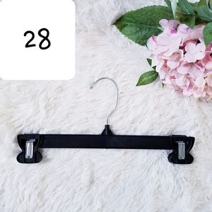 28 Pants & Skirt Hangers, Clip Pinch with Swivel